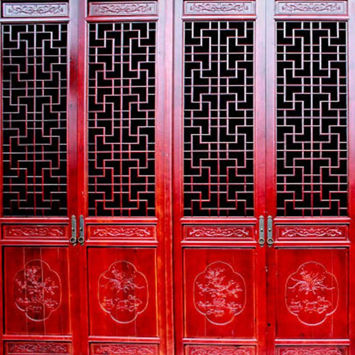 Two sets of ornate Chinese double doors